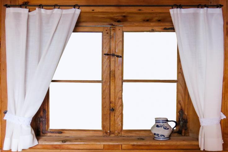 How To Have Spotless & Streak-Free Windows